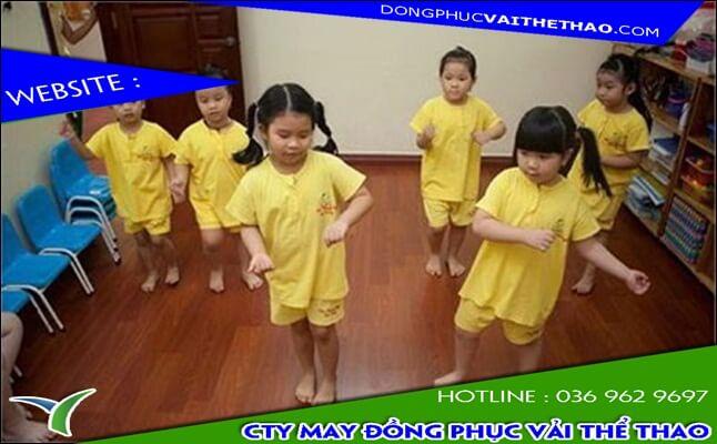 áo đồng phục trẻ em vải thể thao đẹp